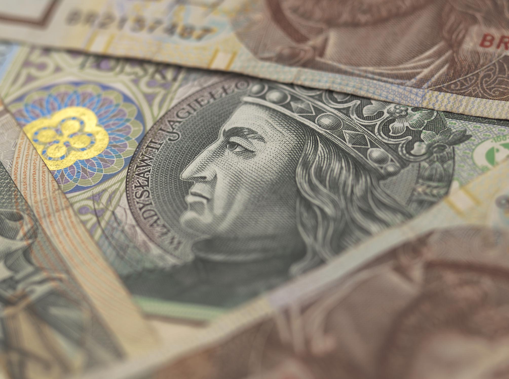 Zmiany w systemie emerytalnym skokiem na pieniądze Polaków